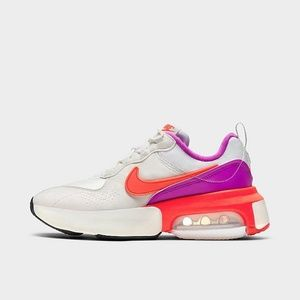 Nike Air Max Verona Casual Sneakers NIB
